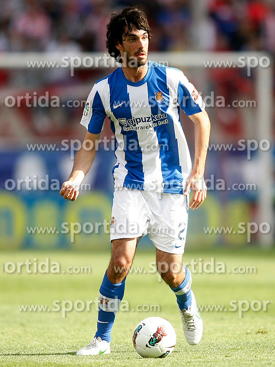 02.05.2012, Vicente Calderon Stadion, Madrid, ESP, Primera Division, Atletico Madrid vs Real Sociedad, Ersatztermin, im Bild Real Sociedad's Carlos Martinez Diez // during the football match of spanish 'primera divison' league, alternate date, between Atletico Madrid and Real Sociedad at Vicente Calderon stadium, Madrid, Spain on 2012/05/02. EXPA Pictures © 2012, PhotoCredit: EXPA/ Alterphotos/ Acero..***** ATTENTION - OUT OF ESP and SUI *****