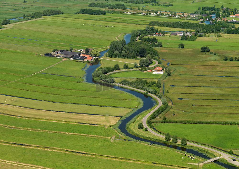 rivier de Meije tussen Nieuwkoopse plassen en Oude Rijn slingerend door het Groene hart