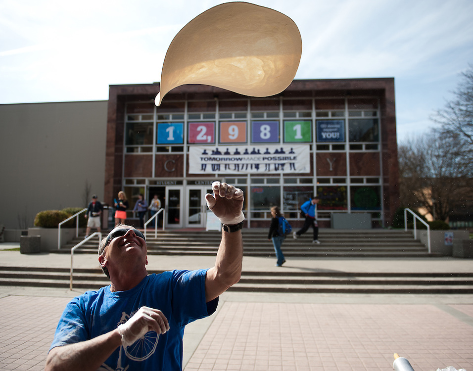 David's Pizza dough flies through the air during TMP in front of Crosby