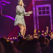 NLD/Amsterdam/20200306 - Holland Zingt Hazes 2020, Roxanne Hazes