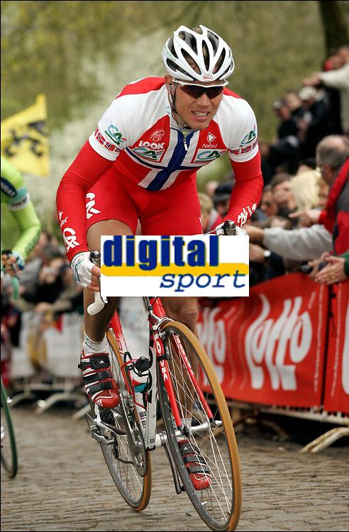 Sykkel<br /> ProTour-rittet Gent-Wevelgem <br /> 6. april 2005<br /> Foto: Digitalsport<br /> NORWAY ONLY<br /> Thor Hushovd