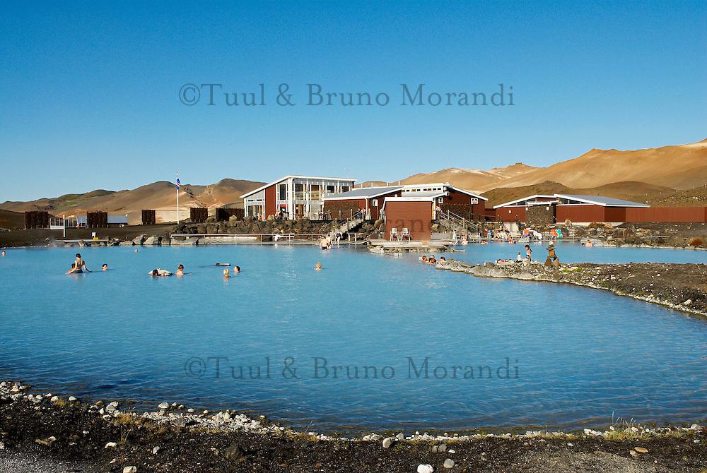 "Islande. Piscine d'eau chaude ""Blue Lagoon"" de Myvatn. // Iceland. Hot water swimming pool ""Blue Lagoon"" at Myvatn."