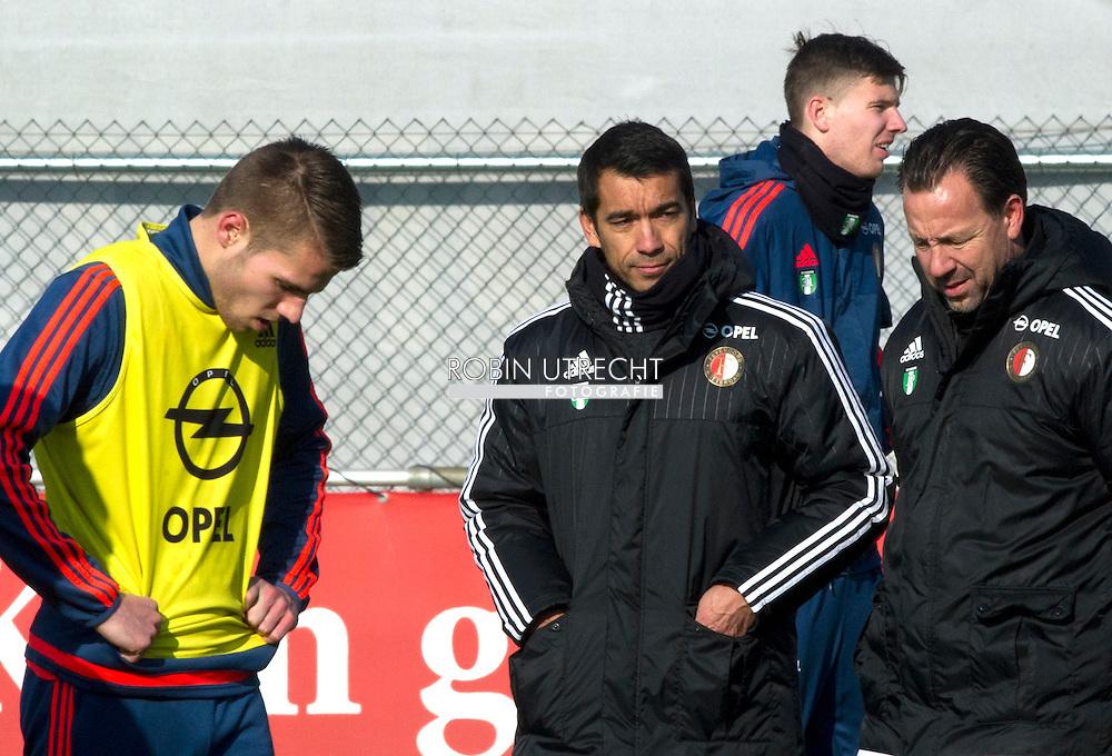 ROTTERDAM - Dick Advocaat (R) en trainer Giovanni van Bronckhorst tijdens de training van Feyenoord. De oud-bondscoach gaat de technische staf van de Rotterdamse club ondersteunen.  de kuip  varkesnsoord copyright robin utrecht