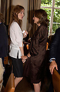 Saffron Burrows and Caroline Michel. Lunch party for Brooke Shields hosted by charles finch and Patrick Cox. Mortons. Berkeley Sq. 6 July 2005. ONE TIME USE ONLY - DO NOT ARCHIVE  © Copyright Photograph by Dafydd Jones 66 Stockwell Park Rd. London SW9 0DA Tel 020 7733 0108 www.dafjones.com