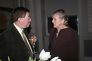 Celebration honouring the arrival of Deborah Swallow, director, Courtauld Institute of Art. Courtauld Gallery. Somerset House. 9 December 2004. ONE TIME USE ONLY - DO NOT ARCHIVE  © Copyright Photograph by Dafydd Jones 66 Stockwell Park Rd. London SW9 0DA Tel 020 7733 0108 www.dafjones.com