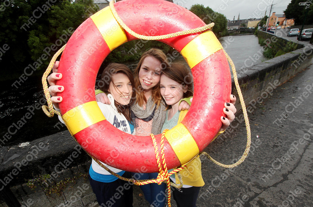 Helen McMahon, Aisling O Sullivan and Eve Copley Junior Cert Students of Rice Collage Ennis, Clare pictured on Thursday where they saved a woman from drowing on Tuesday evening after doing their Business Studies Exam.<br /> Pic. Brian Arthur/ Press 22.