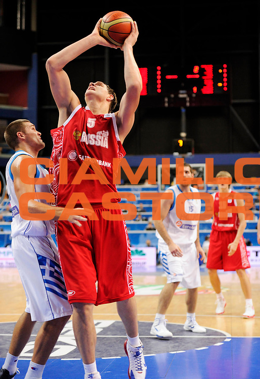 DESCRIZIONE : Vilnius Lithuania Lituania Eurobasket Men 2011 Second Round Grecia Russia Greece Russia<br /> GIOCATORE : Timofey Mozgov<br /> SQUADRA : Russia<br /> EVENTO : Eurobasket Men 2011<br /> GARA : Grecia Russia Greece Russia<br /> DATA : 10/09/2011<br /> CATEGORIA : tiro<br /> SPORT : Pallacanestro <br /> AUTORE : Agenzia Ciamillo-Castoria/JF Molliere<br /> Galleria : Eurobasket Men 2011<br /> Fotonotizia : Vilnius Lithuania Lituania Eurobasket Men 2011 Second Round Grecia Russia Greece Russia<br /> Predefinita :