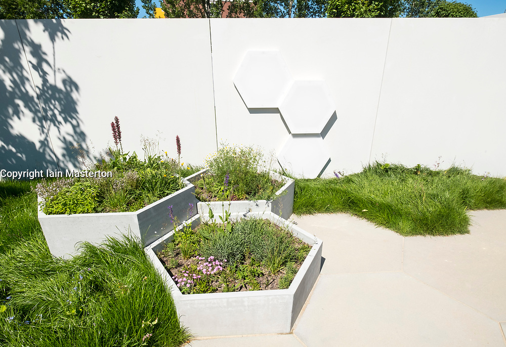 Honey Suite Garden designed for beekeeping, one of the Garden Settings gardens, ideas for urban gardens,  at IGA 2017 International Garden Festival (International Garten Ausstellung) in Berlin, Germany