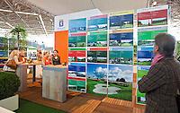 AMSTERDAM - Stand van de NGF, Nederlandse Golf Federatie op Golfbeurs , Amsterdam Golf Show, in de Amsterdamse Rai. COPYRIGHT KOEN SUYK