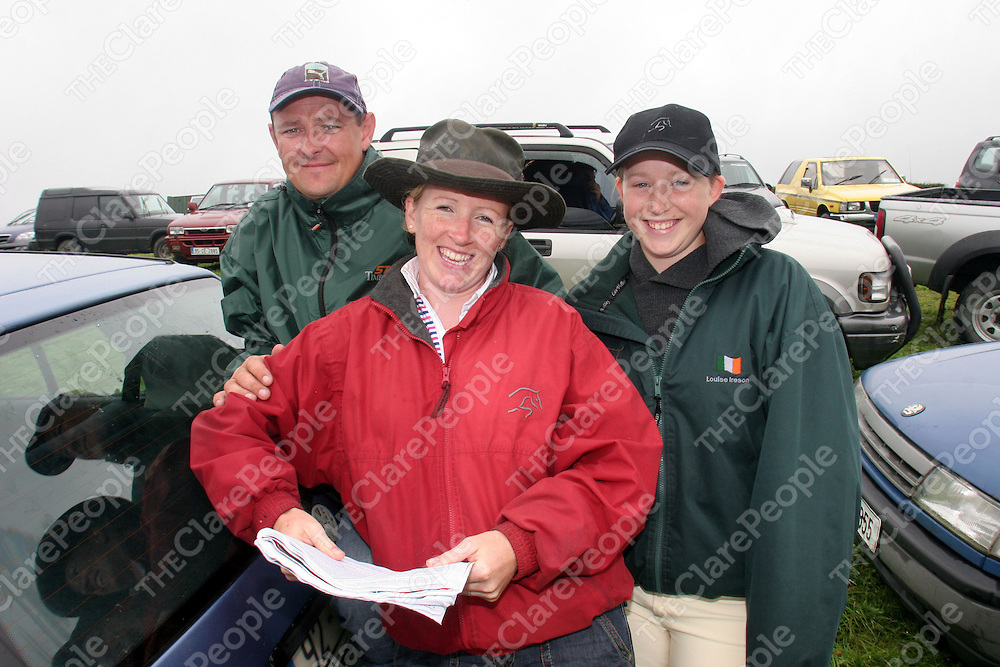 21.08.05.<br /> Brian and Phylis Barry, Sixmilebridge pictured with Luoise Ireson, Wicklow  at the 63rd Annual Kildysart Agricultural Show. Picture: Alan Place/Press 22.