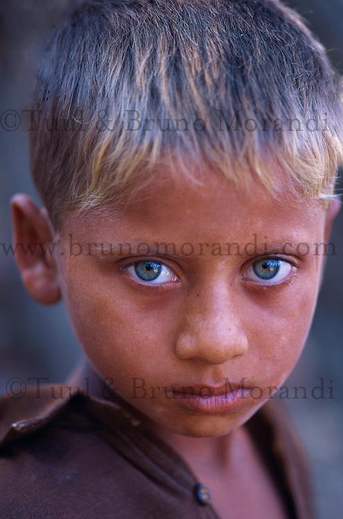 Pakistan, Khyber Pakhtunkhwa, Jeune garçon de l'ethnie pashtoun (Pathan) // Young boy from Pathan (Poshtou) ethnic group, Khyber Pakhtunkhwa, Pakistan