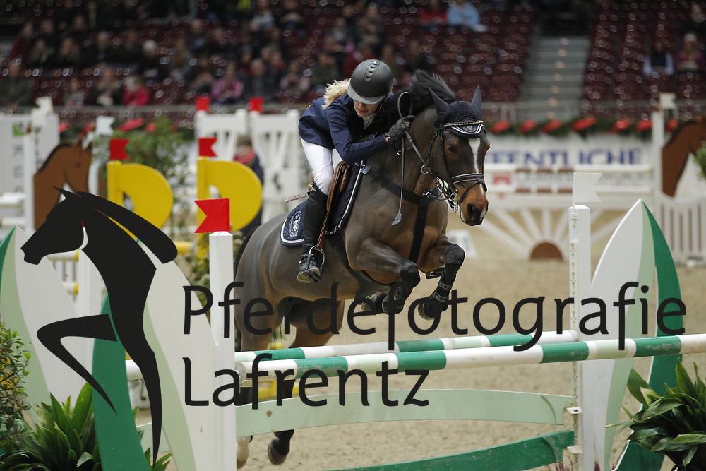 Mayer, Chiara, Pepsi<br /> Oldenburger Pferdetage 2012<br /> © www.sportfotos-lafrentz.de/ Stefan Lafrentz