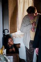 IL VILLAGGIO DI CARTONE.<br /> <br /> Ermanno Olmi sul set insieme al piccolo attore Prosper.<br /> <br /> Foto di Kash Gabriele Torsello