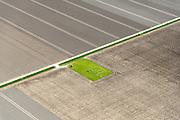 ederland, Flevoland, Noordoostpolder (NOP), 07-05-2015; Voorsterweg omgeving Marknesse, lokatie mogelijke proefboring schaliegas.<br /> Zie ook zoekterm [Swart schaliegas 2013].<br /> Location possible test drilling shale gas, near Marknesse.<br /> luchtfoto (toeslag op standard tarieven);<br /> aerial photo (additional fee required);<br /> copyright foto/photo Siebe Swart