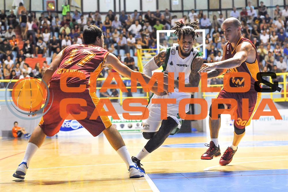 DESCRIZIONE : 3&deg; International Tournament City of Cagliari Montepaschi Siena - Galatasaray<br /> GIOCATORE : Daniel Hackett<br /> CATEGORIA : Palleggio Penetrazione<br /> SQUADRA : Montepaschi Siena<br /> EVENTO :  3&deg; International Tournament City of Cagliari<br /> GARA :Montepaschi Siena - Galatasaray<br /> DATA : 28/09/2013<br /> SPORT : Pallacanestro <br /> AUTORE : Agenzia Ciamillo-Castoria / Luigi Canu<br /> Galleria : Precampionato 2013-2014<br /> Fotonotizia : 3&deg; International Tournament City of Cagliari Montepaschi Siena - Galatasaray<br /> Predefinita :