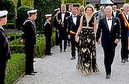 15-9-2016 JABBEKE - King Philippe and Queen Mathilde participated in the 10th gala evening of West Flanders Support Committee for the King Baudouin Foundation. They first get explanations about some projects supported by the Foundation. The following is a concert graced by Home Made Young Promenade led by Dirk Lievens. The gala evening will take place in Jabbeke. belgium COPYRIGHT ROBIN UTRECHT  15-9-2016  JABBEKE - Koning Filip  en de Koningin Mathilde  deel aan de 10de gala-avond van de Steunraad West-Vlaanderen voor de Koning Boudewijnstichting. Zij krijgen eerst toelichting over enkele projecten die door de Stichting worden ondersteund. Hierna volgt een concert opgeluisterd door de Home Made Jong Promenade onder leiding van Dirk Lievens. De gala-avond vindt plaats in Jabbeke. belgie  Koningin Mathilde voor gala-avond opnieuw in Gigi Hadid-jurk met dichtgenaaide decolleté COPYRIGHT ROBIN UTRECHT