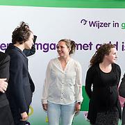 NLD/Almere/201400414 - Koninging Maxima bezoekt ouderavond basisschool de Archipel in Almere,