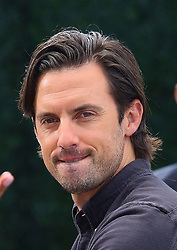 'This Is Us' actor Milo Ventimiglia gives the peace sign while leaving 'Extra!'. 21 May 2019 Pictured: Milo Ventimiglia. Photo credit: MEGA TheMegaAgency.com +1 888 505 6342