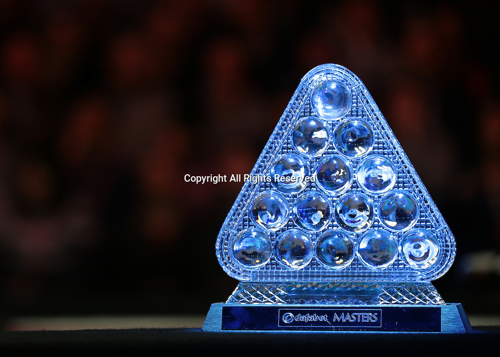 16.01.2016.  Alexandra Palace, London, England. Masters Snooker. Semi Finals. The Dafabet Masters Snooker Trophy awaits the winner