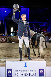 HOFFMANN Tim-Uwe (GER)<br /> Siegerehrung<br /> Preis der Familie Müter <br /> Deutschlands U25 Springpokal der Stiftung Deutscher Spitzenpferdesport<br /> Nat. Springprüfung Kl. S*** mit Stechen<br /> Braunschweig - Classico 2020<br /> 07. März 2020<br /> © www.sportfotos-lafrentz.de/Stefan Lafrentz