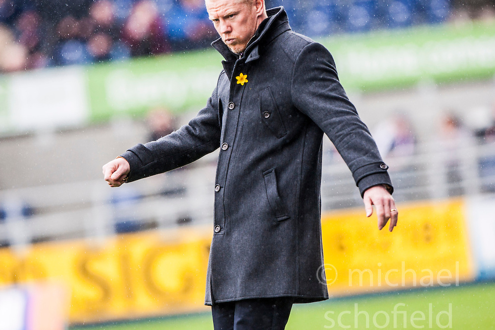 Falkirk's manager Gary Holt.<br /> Falkirk 5 v 0 Cowdenbeath, Scottish Championship game played today at The Falkirk Stadium.<br /> &copy; Michael Schofield.