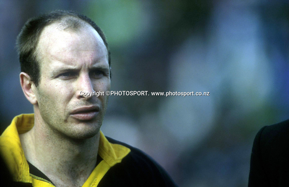 Wellington second five Jason O'halloran during the NPC rugby union match between Counties Manukau and Wellington at Pukekohe, on September 24 2000. Wellington won the match 45-29. Photo: PHOTOSPORT<br /><br /><br />240900 portrait