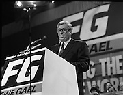Fine Gael 63rd Ard Fheis..1986..12.10.1986..10.12.1986..12th October 1986..The 63rd Fine Gael Ard Fheis was held in the R.D.S.Dublin. An Taoiseach, Garret Fitzgerald, gave the leaders' oration to the assembled Fine Gael ranks..Image of An Taoiseach,Dr Garret Fitzgerald,addressing the massed ranks of the Fine Gael faithful.