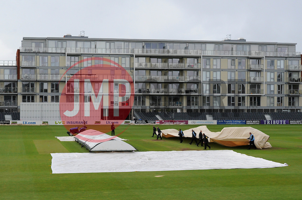 Play is stopped by rain - Photo mandatory by-line: Dougie Allward/JMP - Mobile: 07966 386802 - 19/05/2015 - SPORT - Cricket - Bristol - County Ground - Gloucestershire v Kent - LV=County Cricket Division 2