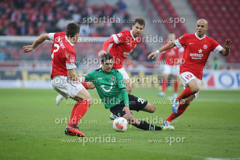 01.12.2012, Coface Arena, Mainz, GER, 1. FBL, 1. FSV Mainz 05 vs Hannover 96, 15. Runde, im Bild Radoslav Zabavnik (MZ) gegen Lars Stindl (H96) und Elkin Soto (MZ) // during the German Bundesliga 15th round match between 1. FSV Mainz 05 and Hannover 96 at the Coface Arena, Mainz, Germany on 2012/12/01. EXPA Pictures © 2012, PhotoCredit: EXPA/ Eibner/ Matthias Neurohr..***** ATTENTION - OUT OF GER *****