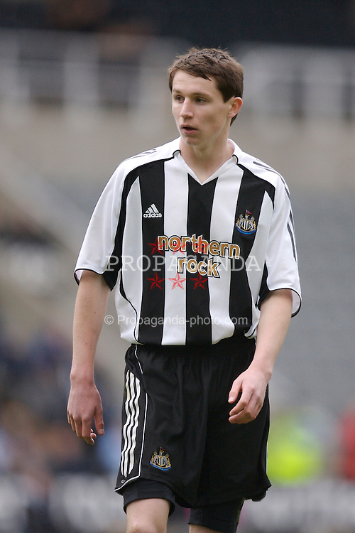 Newcastle, England - Saturday, March 10, 2007: Newcastle United's Callum Morris in action against Liverpool during the FA Youth Cup Semi Final 1st Leg at St James' Park. (Pic by David Rawcliffe/Propaganda)
