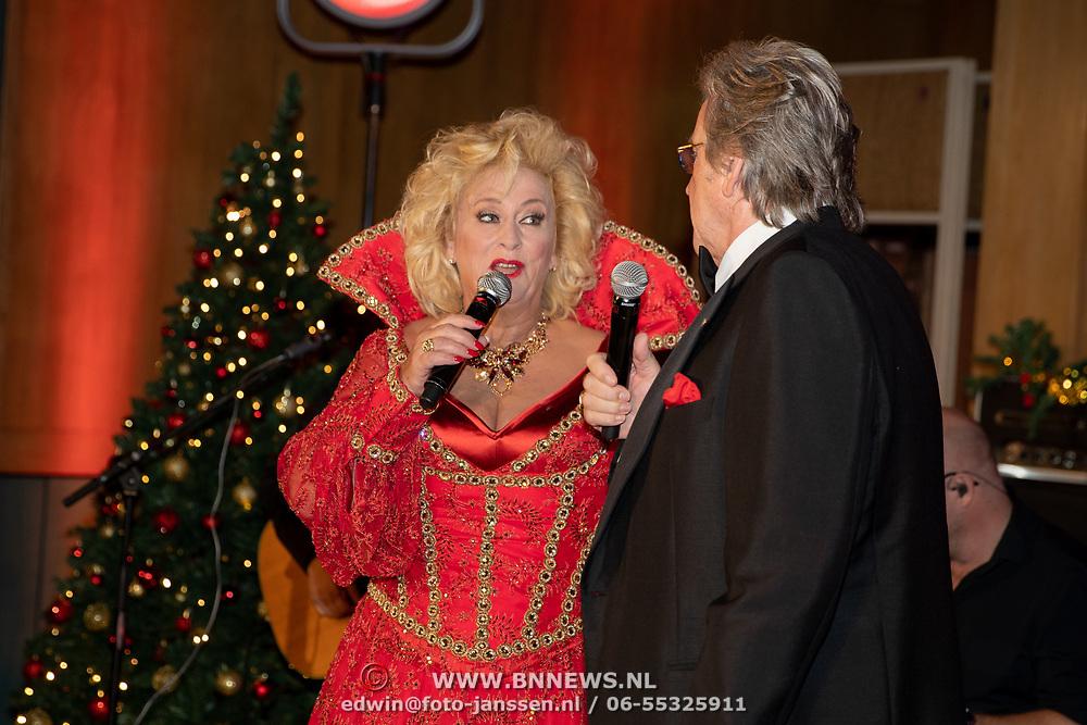 NLD/Hilversum/20181002 - Artiesten Holland zingt Kerst 2018, Karin Bloemen en  Lee Towers