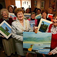 Mayor of Clare Patricia McCarthy with Nuala Moran and members of the Shannon Senior Citizens art group at the opening of their art exhibition on Friday<br /><br />Photograph by Yvonne Vaughan.