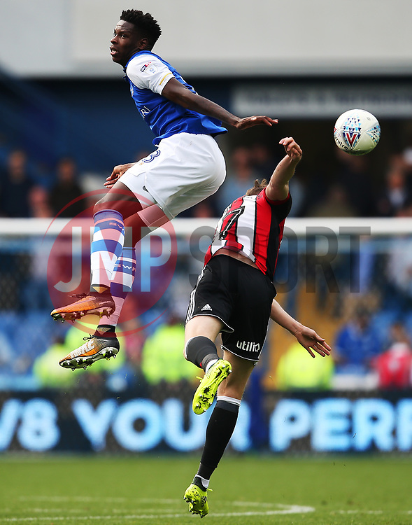Lucas Joao of Sheffield Wednesday challenges John Lundstram of Sheffield United - Mandatory by-line:  Matt McNulty/JMP - 24/09/2017 - FOOTBALL - Hillsborough - Sheffield, England - Sheffield Wednesday v Sheffield United - Sky Bet Championship