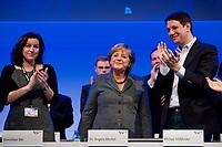16 OCT 2010, POTSDAM/GERMANY:<br /> Dorothee Baer, JU Stellv. Bundesvorsitzende, Angela Merkel, CDU, Bundeskanzlerin, Philipp Missfelder, MdB, CDU, Bundesvorsitzender Junge Union, (v.L.n.R.), nach der Rede von Merkel, Deutschlandtag der Jungen Union, Metropolis Halle, Filmpark Babelsberg<br /> IMAGE: 20101016-01-074<br /> KEYWORDS: Parteitag, party congress, Bundesparteitag, Philipp Mißfelder, Applaus, klatschen, applaudieren, Dorothee Bär