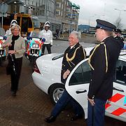 Politieman Dirk van Veen neemt afscheid van het korps Huizen