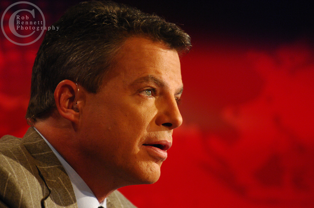"New York, NY - Thursday, Nov. 15, 2007 - Shepard Smith, anchor of the Fox News program ""The Fox Report With Shepard Smith."" Program airs from 7 to 8 PM....Rob Bennett for The New York Times"