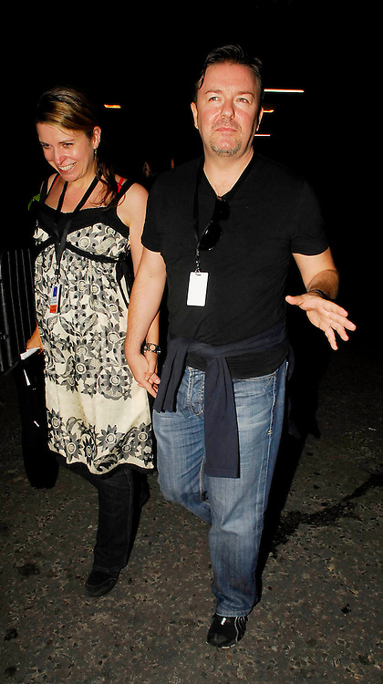 01.JULY.2007. LONDON<br /> <br /> RICKY GERVAIS AND WIFE JANE FALLON LEAVING THE DIANA CONCERT AFTERPARTY AT WEMBLEY ARENA.<br /> <br /> BYLINE: EDBIMAGEARCHIVE.CO.UK<br /> <br /> *THIS IMAGE IS STRICTLY FOR UK NEWSPAPERS AND MAGAZINES ONLY*<br /> *FOR WORLD WIDE SALES AND WEB USE PLEASE CONTACT EDBIMAGEARCHIVE - 0208 954 5968*