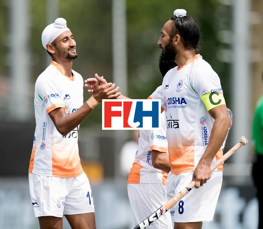 BREDA - Rabobank Hockey Champions Trophy<br /> India - Argentina<br /> Photo: Mandeep Singh and Sardar Singh celebrate the 2-0.<br /> COPYRIGHT WORLDSPORTPICS FRANK UIJLENBROEK