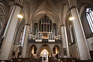 Kantor und Organist<br /> Thomas Dahl lädt mittwochs<br /> zu Konzerten in die<br /> c – gratis.