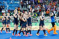 RIO DE JANEIRO -  Teleurstelling bij Oranje na de finale tussen de dames van Nederland en  Groot-Brittannie (3-3) in het Olympic Hockey Center tijdens de Olympische Spelen in Rio.  GB wint na shoot outs.  COPYRIGHT KOEN SUYK