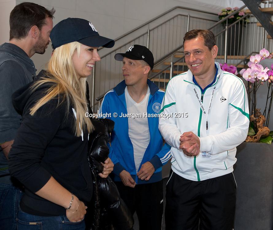 BMW Open 2015, Sabine Lisicki und Turnierveranstalter Michael Mronz,Oliver Pocher im Hintergrund,<br /> Tennis - ATP -  Muenchen  - Germany  -