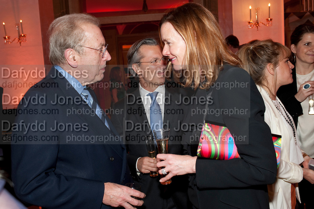 SIR DAVID FROST; DAVID GIAMPAOLO; DEE STIRLING;, The Veuve Clicquot Businesswoman of the Year  Award. Claridge's, London.  March 28 2011. ,-DO NOT ARCHIVE-© Copyright Photograph by Dafydd Jones. 248 Clapham Rd. London SW9 0PZ. Tel 0207 820 0771. www.dafjones.com.