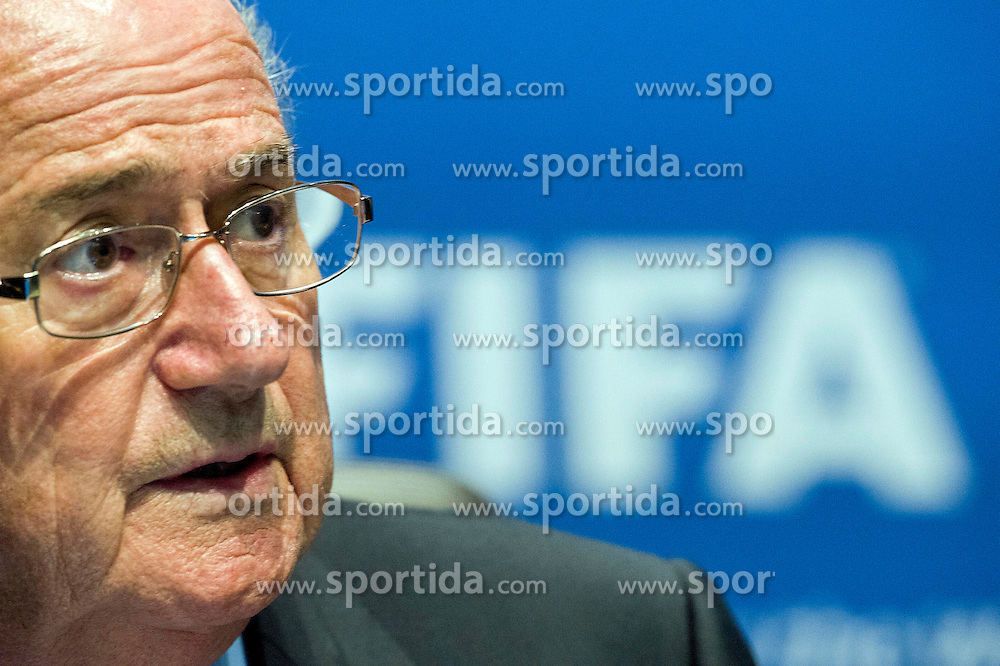 "28.09.2012, das Home, Zuerich, SUI, FIFA, Exekutivkomitee, Pressekonferenz, im Bild Joseph S. Blatter, Presdiaent, waehrend der Pressekonferenz // during a Press Conference of the FIFA Executive Committee at the ""das Home"", Zuerich, Switzerland on 2012/09/28. EXPA Pictures © 2012, PhotoCredit: EXPA/ Freshfocus/ Andy Mueller..***** ATTENTION - for AUT, SLO, CRO, SRB, BIH only *****"