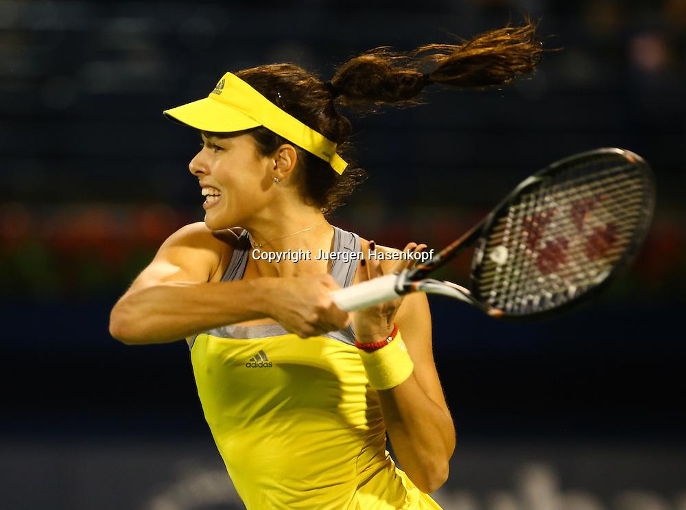 Dubai Tennis Championships 2013,WTA Tennis Turnier,International Series,Dubai Tennis Stadium, U.A.E., Ana Ivanovic (SRB),Aktion,Einzelbild,.Halbkoerper,Querformat,Dynamik