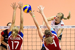 29.09.2011, Hala Pionir, Belgrad, SRB, Europameisterschaft Volleyball Frauen, Viertelfinale, Deutschland (GER) vs. Tschechien (CZE, im Bild Ivana Plchotova (#17 CZE), Aneta Havlickova (#4 CZE) - Maren Brinker (#15 GER / Pesaro ITA) // during the 2011 CEV European Championship, Quarterfinal at Hala Pionir, Belgrade, SRB, Germany vs Czech Republic, 2011-09-29. EXPA Pictures © 2011, PhotoCredit: EXPA/ nph/  Kurth       ****** out of GER / CRO  / BEL ******