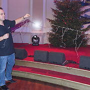 NLD/Hilversum /20131210 - Sky Radio Christmas Tree For Charity 2013, Frans Bauer en John van den Heuvel veriseren hun kerstboom