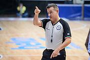 DESCRIZIONE : Cantu Lega A 2015-16 <br /> GIOCATORE : Arbitro Referee<br /> CATEGORIA : Arbitro Referee<br /> SQUADRA : Acqua Vitasnella Cantu'<br /> EVENTO : Campionato Lega A 2015-2016<br /> GARA : Acqua Vitasnella Cantu' Vanoli Cremona <br /> DATA : 14/12/2015<br /> <br /> SPORT : Pallacanestro<br /> AUTORE : Agenzia Ciamillo-Castoria/M.Ozbot<br /> Galleria : Lega Basket A 2015-2016 <br /> Fotonotizia: Cantu Lega A 2015-16