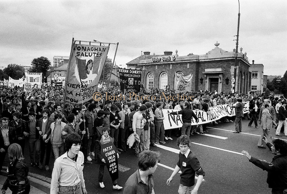 An estimated 10,000 took to the streets in Dublin in support of the republican hunger strikers in the Maze prison in Belfast. As the protest dispersed, about 500 marchers confronted an estimated 1,000 riot police at the British Embassy in Ballsbridge, and violence quickly ensued. Hundreds of office and shop windows were smashed. Ten hunger strikers ultimately died of starvation in the Maze, including elected Westminster MP Bobby Sands.<br />