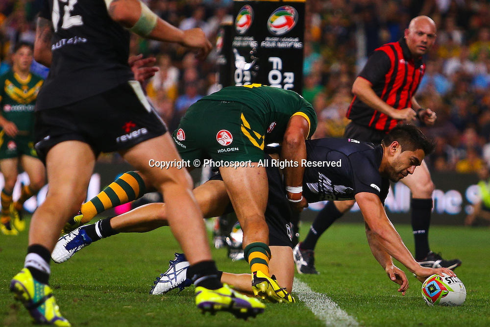 Shaun Johnson scores during the Four Nations test match between Australia and New Zealand at Suncorp Stadium,  Brisbane Australia on October 25, 2014.