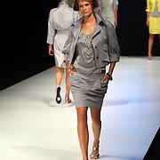 NLD/Amsterdam/20070727 - Modeshow Elle fashion tijdens de Amsterdam fashionweek 2007, model op de catwalk